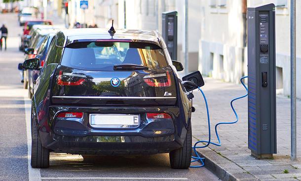 E-Auto laden: Ratgeber & Ladestation-Test