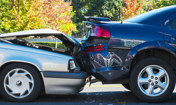 Experten hinterfragen fiktive Abrechnung von Unfallschäden