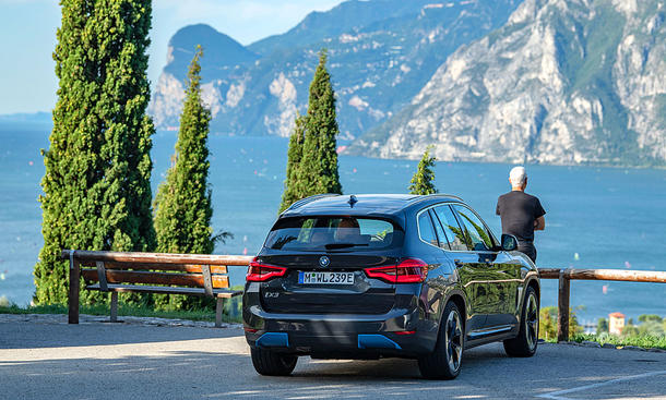 BMW iX3 (2021)