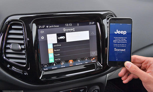 Jeep Compass: Connectivity