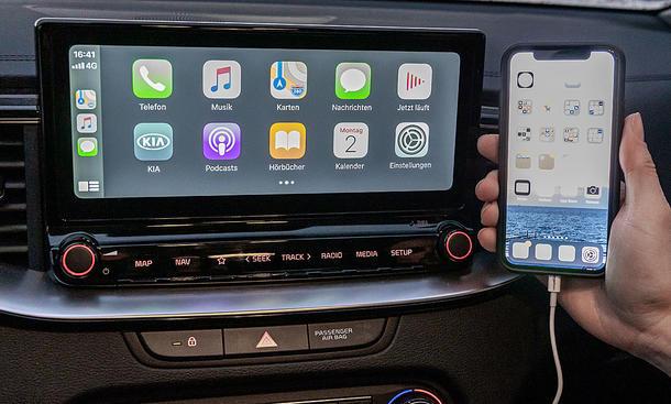 Kia XCeed 1.6 T-GDI: Connectivity