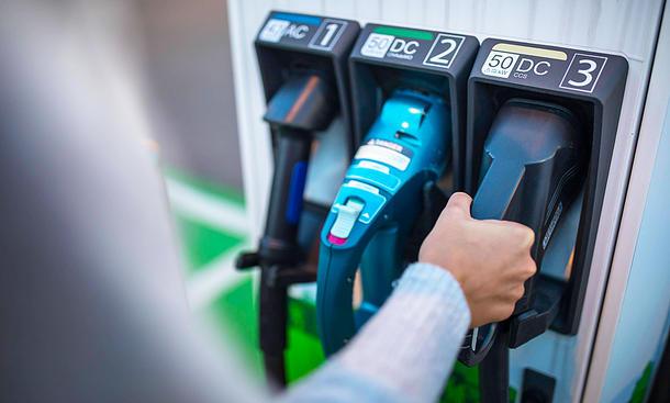 Ladezeiten von Elektroautos