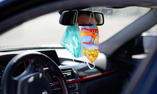 Maske im Auto: Das ist erlaubt!