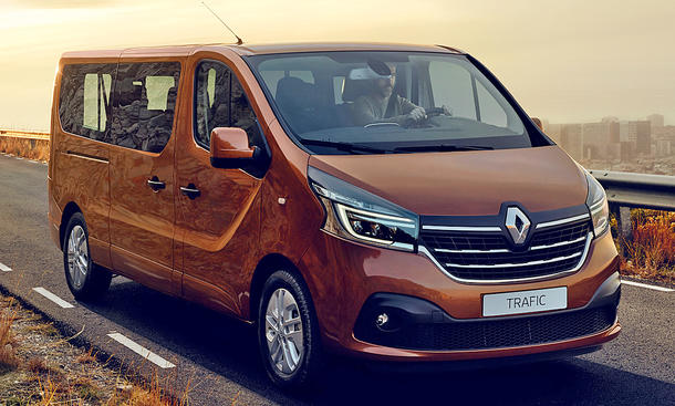 https://www.autozeitung.de/assets/styles/article_image/public/field/images/renault-trafic-facelift-01.jpg?itok=MRm_BPNa