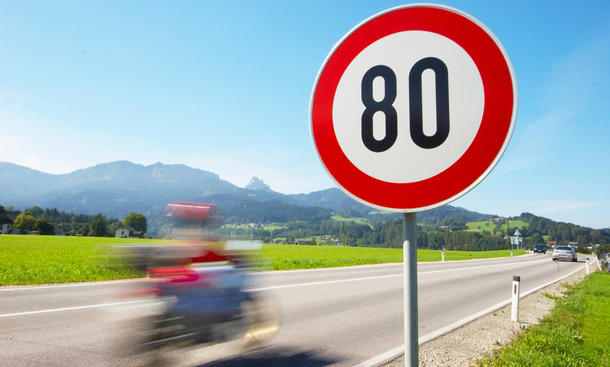 Tempo 80 Landstraße: Forderung der Grünen