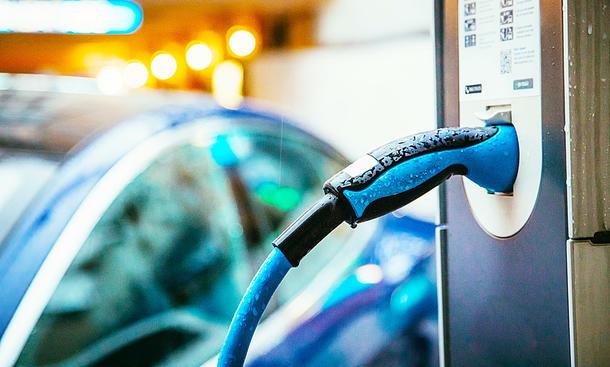 Versicherungen für Elektroautos: Tarife & Tipps