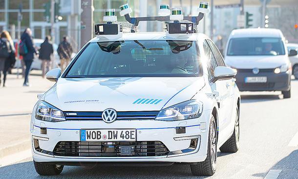 Autonomes Fahren: VW testet Roboterwagen in Hamburg