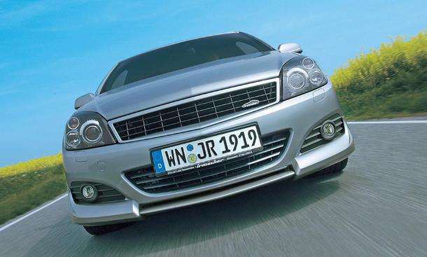 Irmscher Opel Astra GTC 1.9 CDTI Kühlergrill