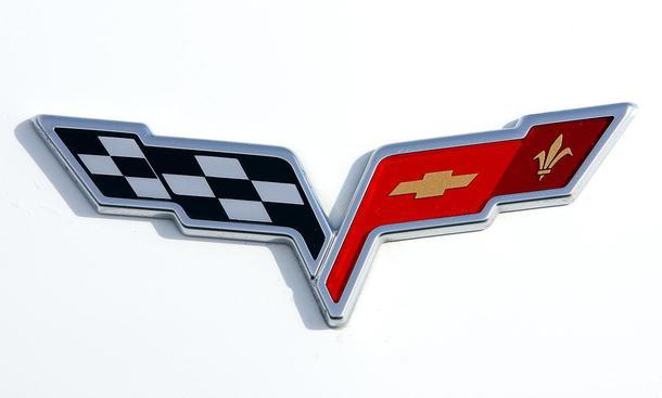 Audi Zeichen Wallpaper on Zeichen Von Leistung  Corvette Logo Mit Karierter Flagge  Chevrolet