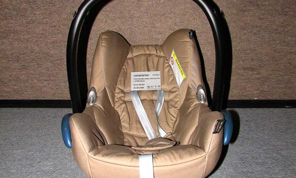 kindersitz test babyschalen und kindersitze im test bild 3. Black Bedroom Furniture Sets. Home Design Ideas
