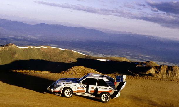 Pikes Peak Auto Racing Photos on Pikes Peak 1987 Die Leistung Des Turbo Fuenfzylinders Sank Auf Dem