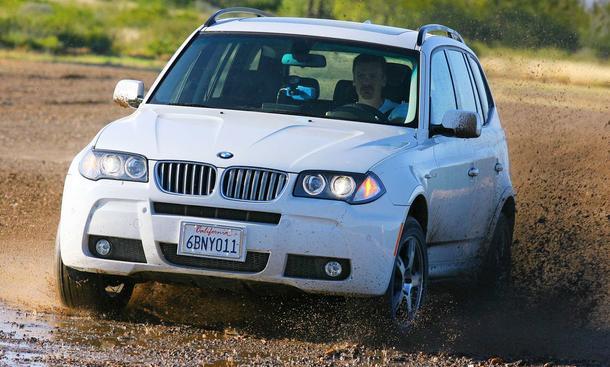 Im BMW X3 SUV ging es auf die Teststrecke