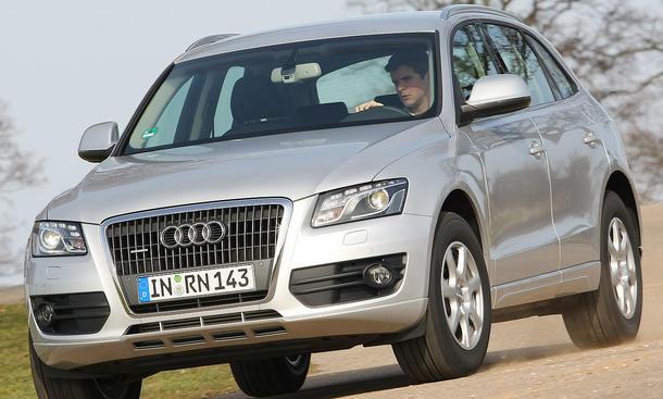 Der Audi Q5 2.0 TDI quattro vereint eine harmonische Federung und hohe Fahrsicherheit
