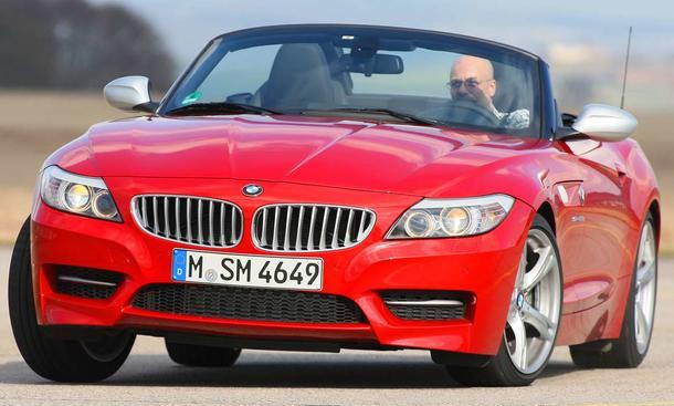 Neu beim BMW Z4 35is sind die silbernen Außenspiegel