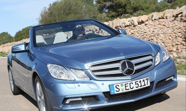 Der Grundpreis des Mercedes E-Klasse Cabrio beträgt 50.063 Euro