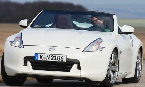 Der Nissan 370Z Roadster mit leicht bösem Blick