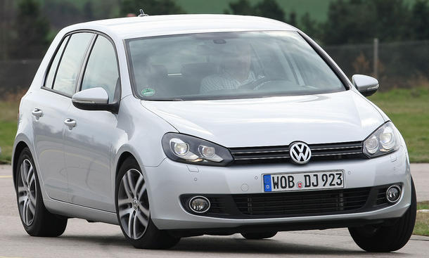Der VW Golf 1.2 TSI BlueMotion Technology bei der Kurvenfahrt