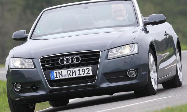 Der Preis des Audi A5 Cabrio 3.2 FSI quattro S tronic liegt bei 52.650 Euro
