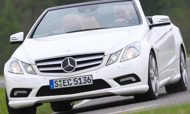 Der Preis des Mercedes E 350 CGI Cabrio beträgt 56.882 Euro