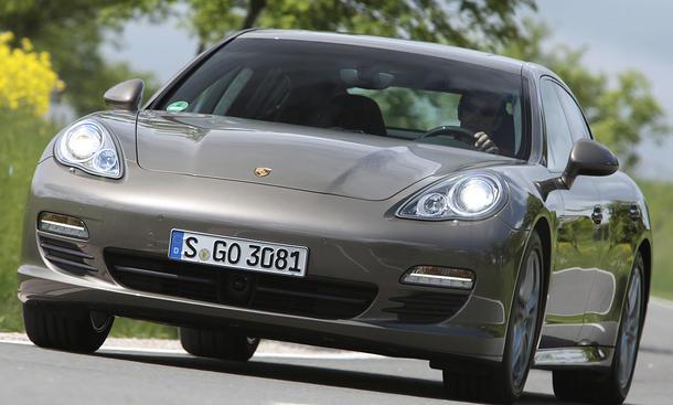 Porsche bringt uns den Panamera in der sechszylindrigen Version mit 300 PS