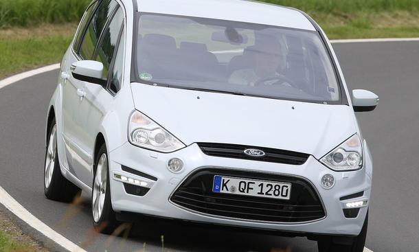 Der Ford S-Max 2.0 EcoBoost kostet ab 34.400 Euro