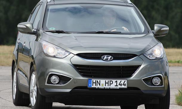 Bereits die Basis-Version für 29.940 Euro beinhaltet viele Extras wie Einparkhilfe und Alu-Felgen