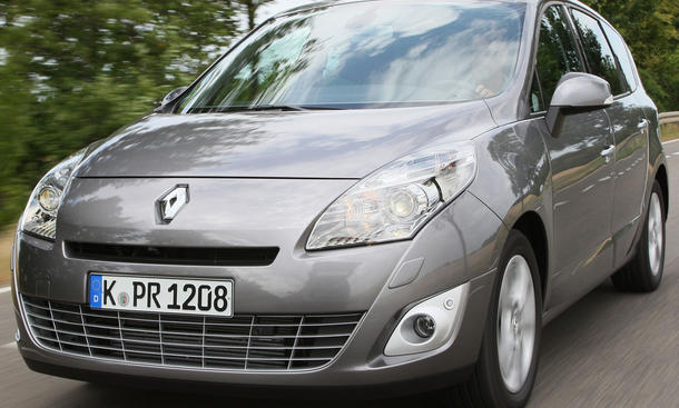 Renault Grand Scenic dCi 160 FAP 01 Front Scheinwerfer