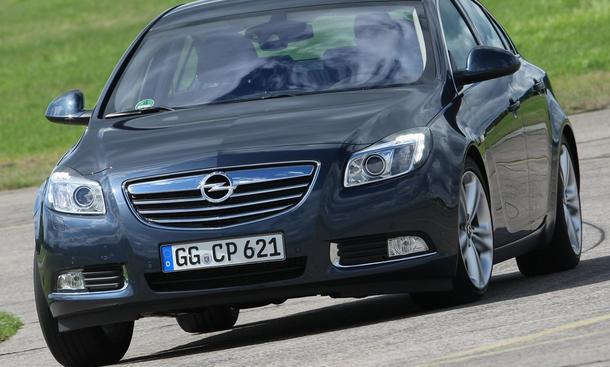 Der Opel Insignia 2.0 Turbo kann ab 32.505 Euro gekauft werden