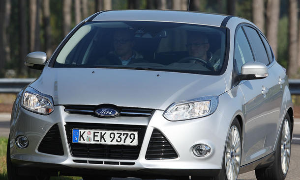 Ford Focus 1.6 EcoBoost Kurvenfahrt