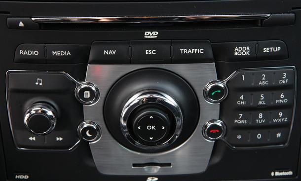 14 auto navigationssysteme im test bild 2. Black Bedroom Furniture Sets. Home Design Ideas