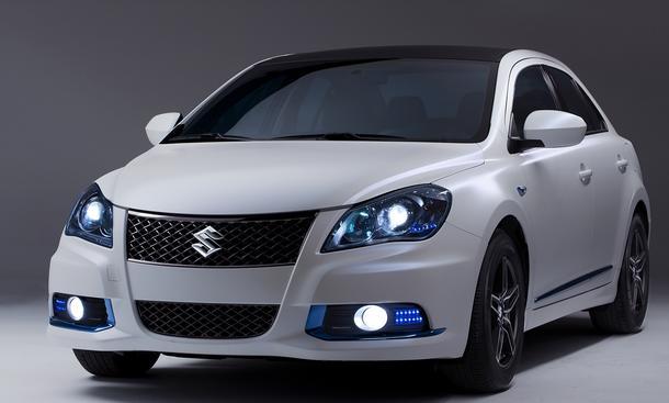 Suzuki Kizashi EcoCharge Concept Mittelklasse-Limousine mit Hybrid-Antrieb