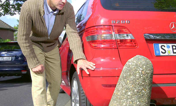 Auto-Unfall: Fahrerflucht