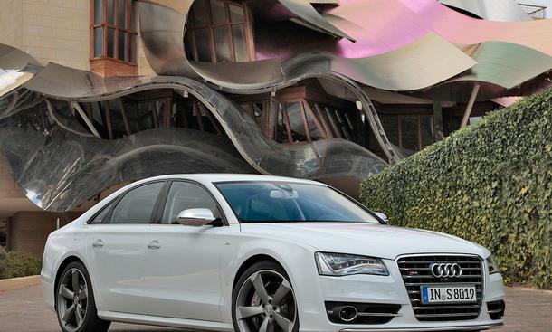Audi S8 2011 Front