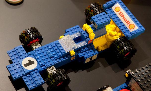 lego technic supercar die geschichte des lego autos. Black Bedroom Furniture Sets. Home Design Ideas