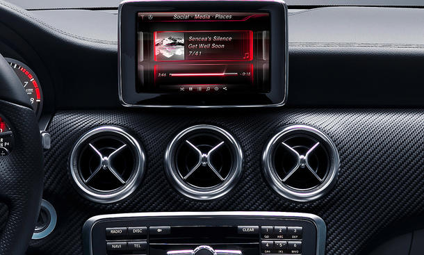 Mercedes A-Klasse 2012 Innenraum Cockpit Auto Salon Genf 2012 Interieur