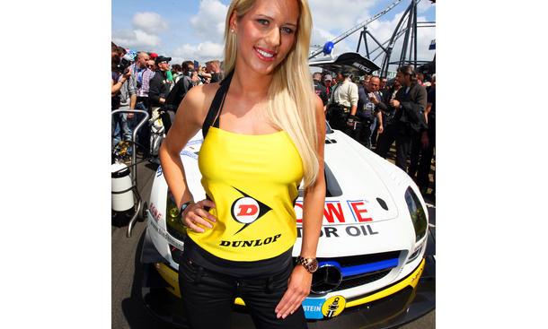 Grid Girls 24-Stunden-Rennen Nürburgring 2012 24h Hostessen