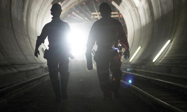 Gotthard Tunnel soll zweite Röhre bekommen 2027