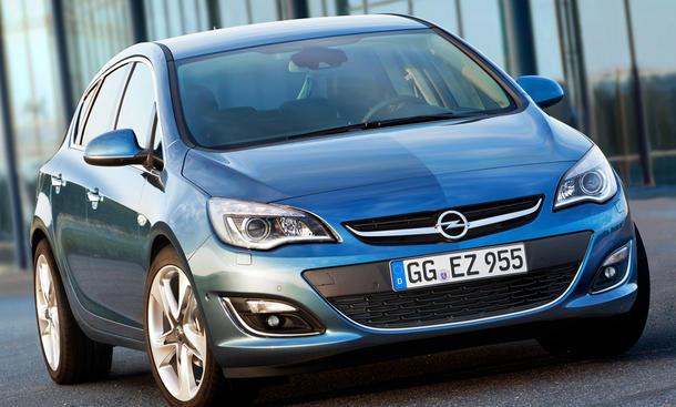 Opel Astra Facelift 2012 Fünftürer Kompaktklasse Kombi OPC Motoren