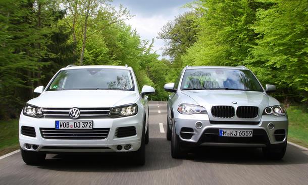 VW Touareg V6 TDI BlueMotion Technology und BMW X5 xDrive30d - Vergleich