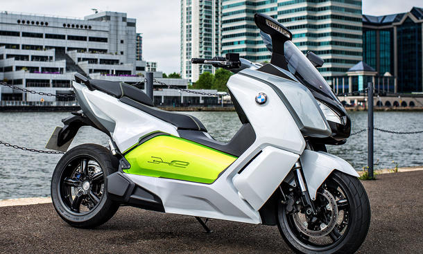 bmw c evolution elektro scooter geht 2014 in. Black Bedroom Furniture Sets. Home Design Ideas