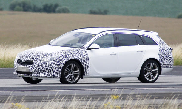 Opel Insignia Sports Tourer Kombi Facelift 2013