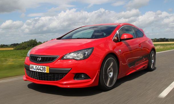 Opel Irmscher Astra GTC 2012