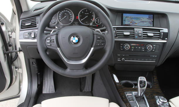 BMW X3 xDrive35d Cockpit