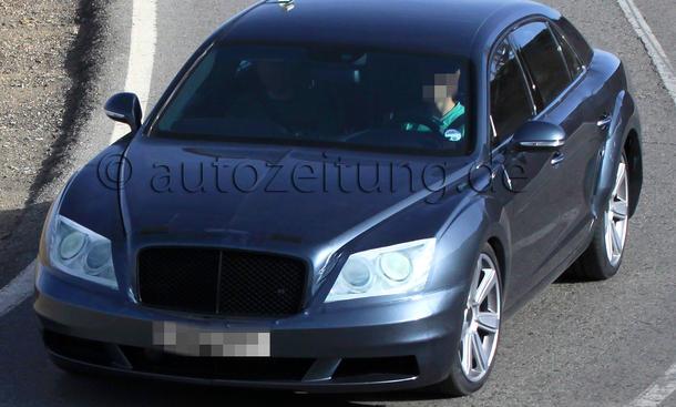 Bentley Continental Flying Spur Facelift 2012 Erlkönig Luxuslimousine