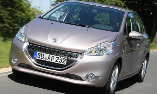 Bilder Peugeot 208 82 VTi 2012 Vergleichstest