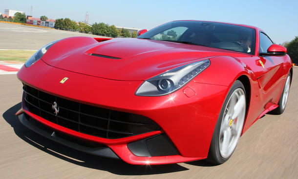 Ferrari F12 Berlinetta 2012 Fahrbericht V12 Supersportler Supersportwagen