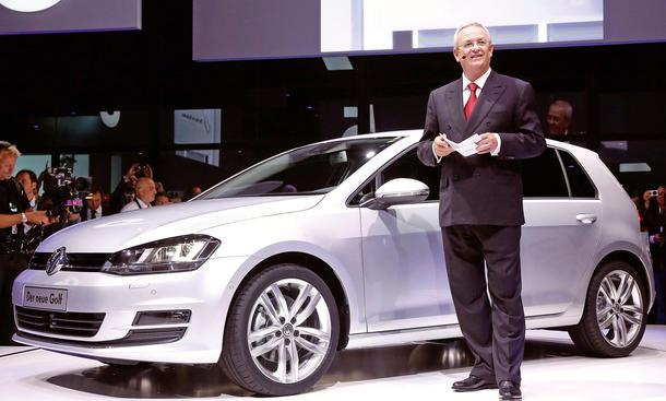 VW Golf VII 2012 Preis Bilder Fotos MQB Technik Motoren Verbrauch Abmessungen Paris