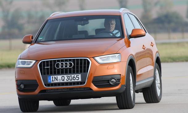 Audi Q3 2.0 TDI SUV-Vergleich 2012 Fahraufnahme Front Kompakt-SUV