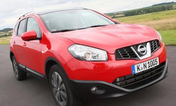 Nissan Quashqai 4x2 1.6 SUV-Vergleich 2012 Fahraufnahme Front