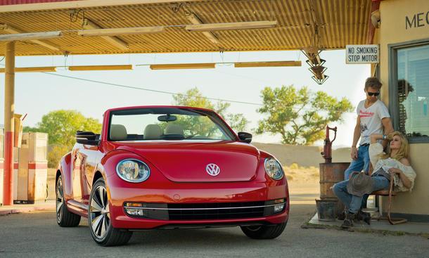 vw beetle cabriolet 2013 preis l a auto show 2012 bild 5. Black Bedroom Furniture Sets. Home Design Ideas